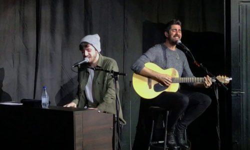 Cantando con Álex Ubago «Ella vive en mi» (Bilbao, 2019)