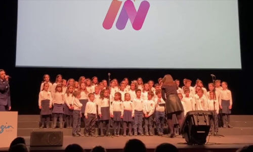 «Lean on me» con el coro infantil del Orfeón Pamplonés