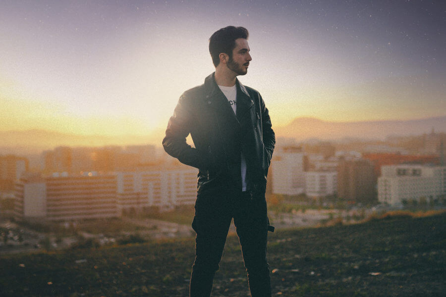 Javier Erro lanza su primer sencillo de composición propia: «Sin Querer»